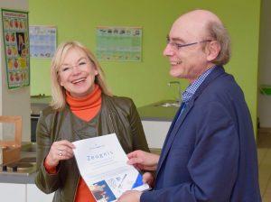 Barbara Regitz besucht Adolf-Reichwein-Schule Nürnberg - Zeugnis