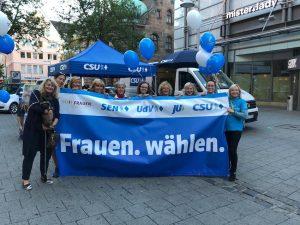 """Am 14. Oktober ist Landtags- und Bezirkstagswahl in Bayern. Nun machen die CSU-Frauen mobil: Unter dem Motto """"Frauen wählen."""" wollen die weiblichen Mandatsträger und Mitglieder der Partei im Endspurt bis zum 14. Oktober vor allem ihr eigenes Geschlecht dazu aufrufen, zur Wahl zu gehen."""